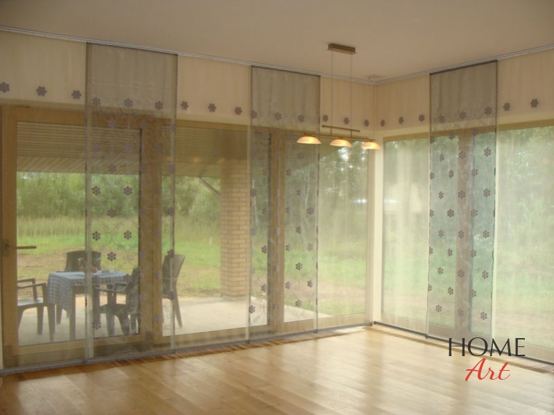 Wonderful Japanese Curtains Are Good In Spacious Premises With Big Windows. Such  Fabric Panels Can Also Be Used To Zone Space. They Are Mostly Fixed To A  Ceiling, ...